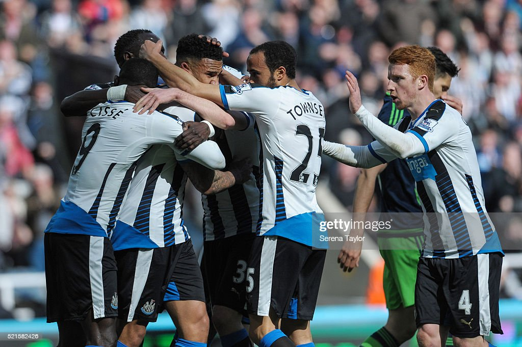 Newcastle United v Swansea City - Premier League : News Photo