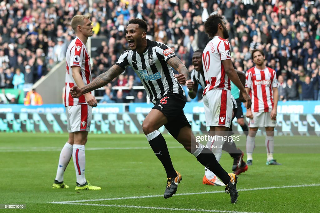 Newcastle United v Stoke City - Premier League