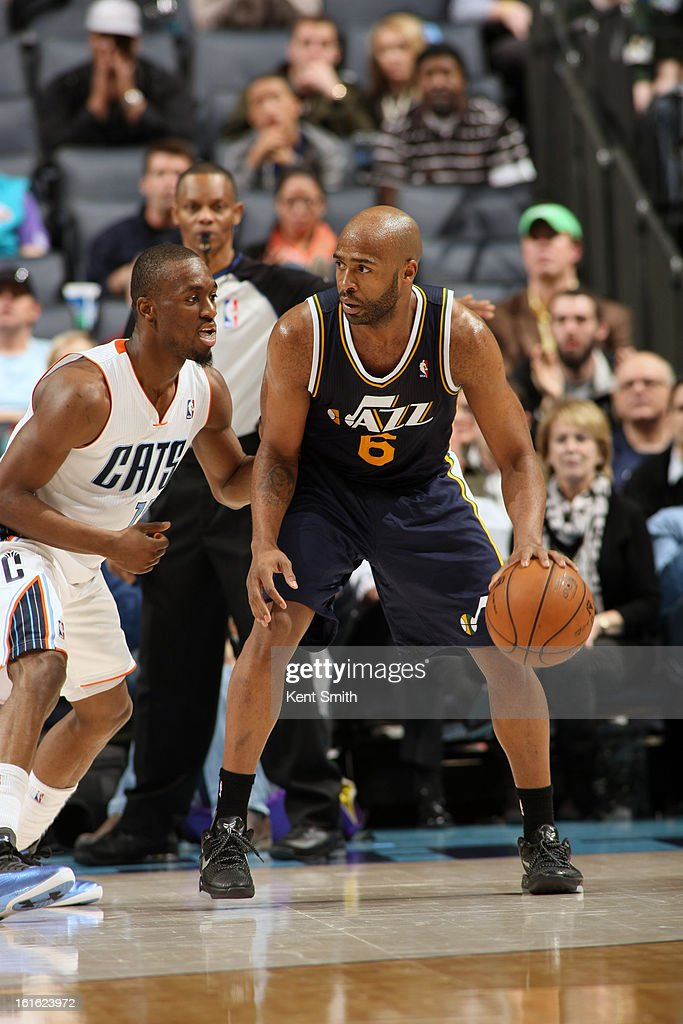 Jamaal Tinsley #6 of the Utah Jazz drives to the basket against the Charlotte Bobcats at the Time Warner Cable Arena on January 9, 2013 in Charlotte, North Carolina.