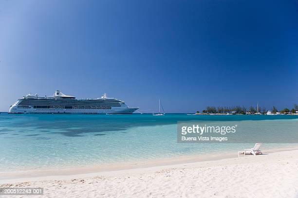 Jamaica, Ocho Rios, cruise ship in harbor