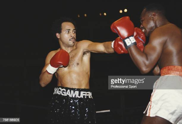 Jamaican born British welterweight and light middleweight boxer Lloyd Honeyghan pictured in action to defeat American boxer Darryl Anthony by a knock...