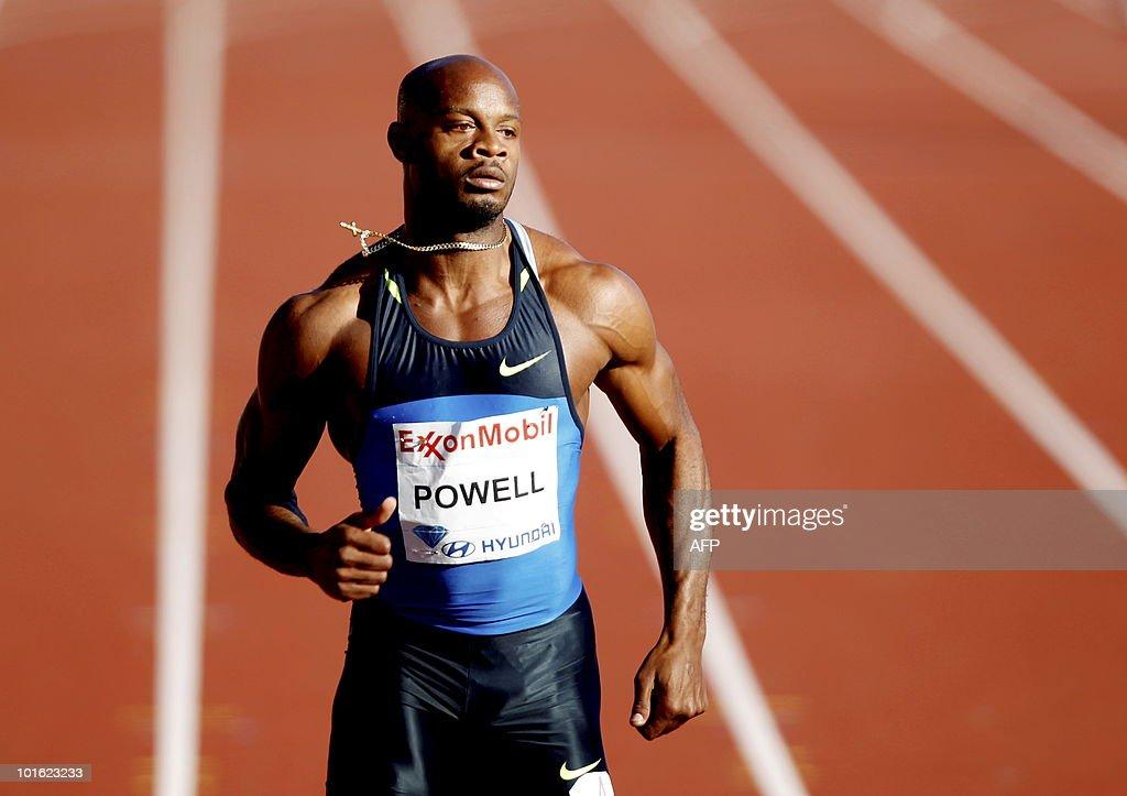 Jamaican runner Asafa Powell, wins the s : News Photo