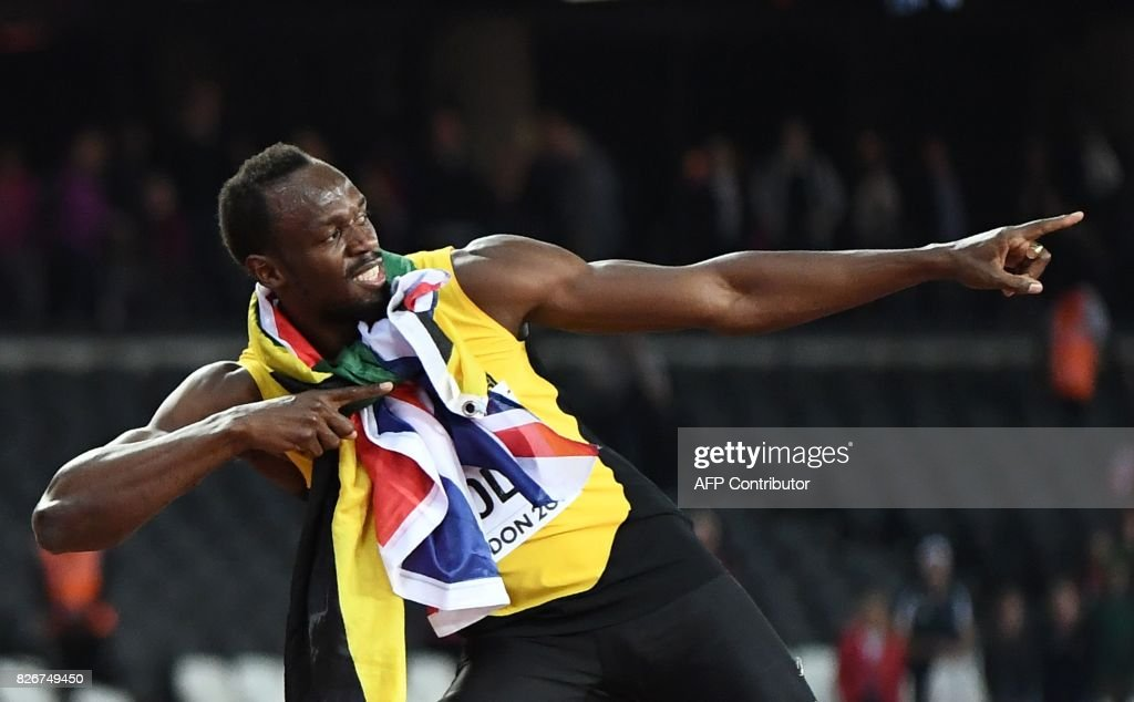 TOPSHOT - Jamaica's Usain Bolt poses after taking third in the final of the men's 100m athletics event at the 2017 IAAF World Championships at the London Stadium in London on August 5, 2017. / AFP PHOTO / Jewel SAMAD