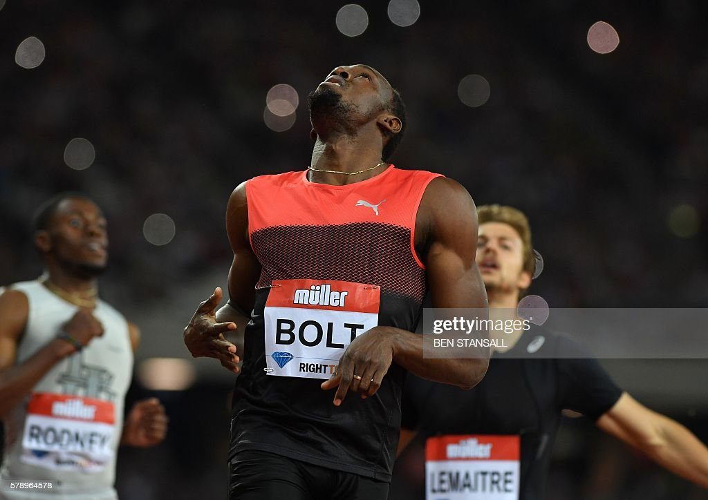 Jamaica's Usain Bolt reacts as he wins the men's 200m at the IAAF Diamond League Anniversary Games athletics meeting at the Queen Elizabeth Olympic Park stadium in Stratford, east London on July 22, 2016. / AFP / Ben STANSALL
