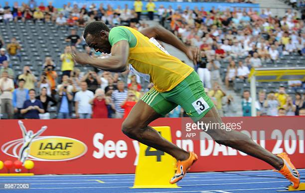 Jamaica's Usain Bolt takes the starts of the men's 200m round 2 race of the 2009 IAAF Athletics World Championships on August 18 2009 in Berlin AFP...