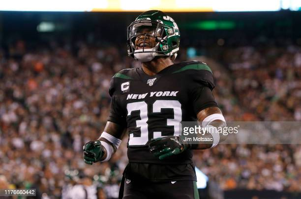 Jamal Adams of the New York Jets in action against the Cleveland Browns at MetLife Stadium on September 16 2019 in East Rutherford New Jersey The...