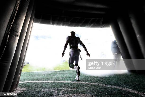 Jamal Adams of the New York Jets takes the field before the game against the Green Bay Packers at MetLife Stadium on December 23 2018 in East...