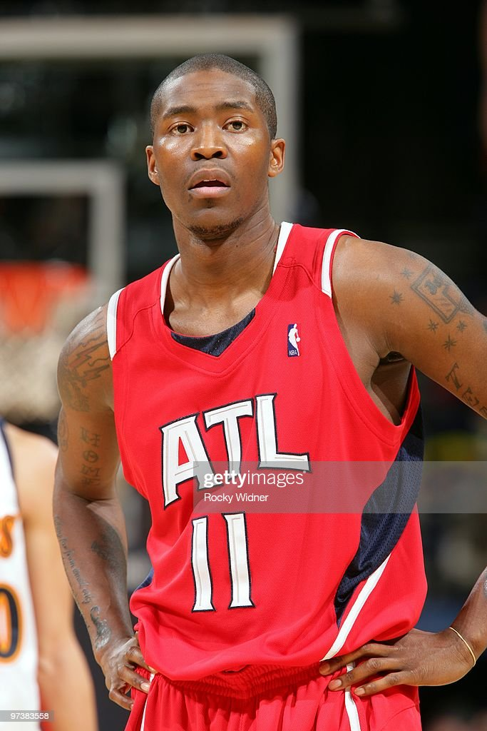 wholesale dealer f5b58 dcdfd Jamal Crawford of the Atlanta Hawks looks on during the game ...
