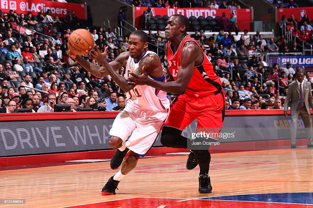 Jamal Crawford #11 of the Los Angeles Clippers drives to the basket against Pascal Siakam #43 of the Toronto Raptors on October 5, 2016 at STAPLES Center in Los Angeles, California.
