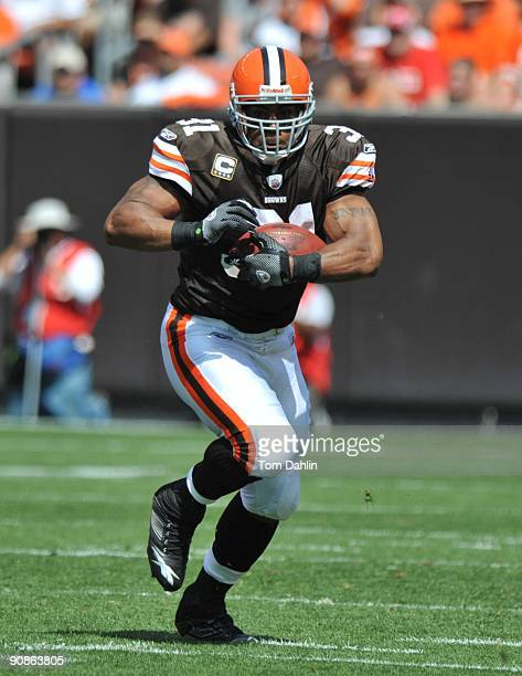Jamal Lewis of the Cleveland Browns carries the ball during an NFL game against the Minnesota Vikings September 13 at Cleveland Browns Stadium in...