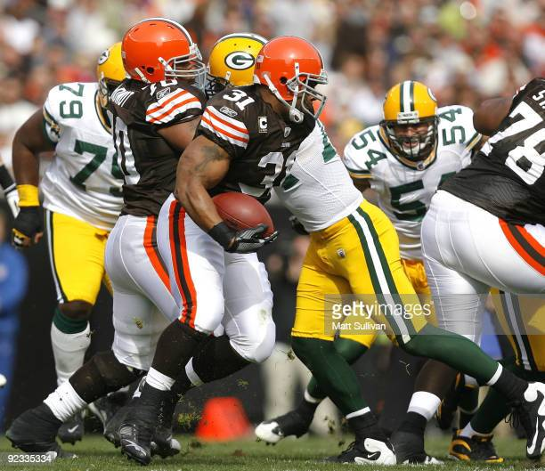 Jamal Lewis of the Cleveland Browns runs the ball against the Green Bay Packers at Cleveland Browns at Cleveland Browns Stadium on October 25 2009 in...
