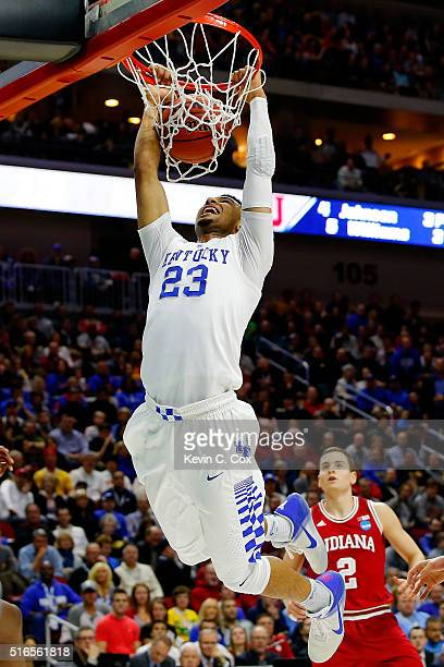 Jamal Murray of the Kentucky Wildcats dunks in the first half against the Indiana Hoosiers during the second round of the 2016 NCAA Men's Basketball...