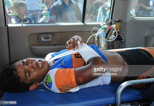 Jamalidin Novardianto had transported by ambulance to the hospital for broken bones in the hand due to crash in distance of 100 meters before the...