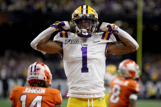 https://media.gettyimages.com/photos/jamarr-chase-of-the-lsu-tigers-reacts-to-a-touchdown-during-the-first-picture-id1199348762?k=6&m=1199348762&s=612x612&w=0&h=FrrmpHRMxPL-h5vgodfo0lyMXVuddWrkq_DHB5OAat8=