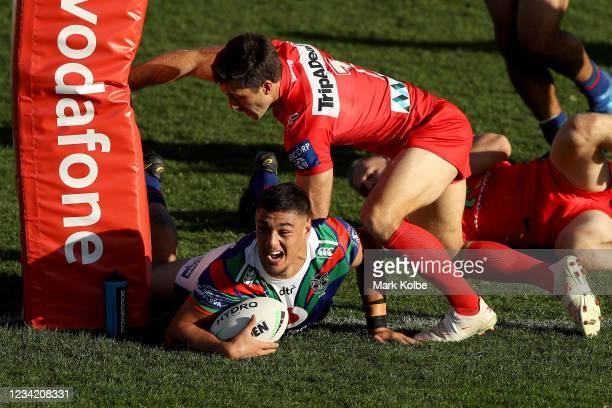 Jamayne Taunoa-Brown of the Warriors scores a try during the round three NRL match between the New Zealand Warriors and the St George Illawarra...