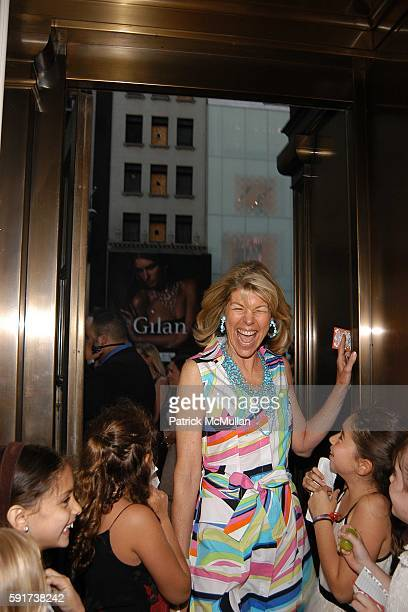 Jamee Gregory and Fans attend Madonna Childrens Book Lotsa de Casha published by Callaway Arts and Entertainment at Bergdorf Goodman on June 7 2005...