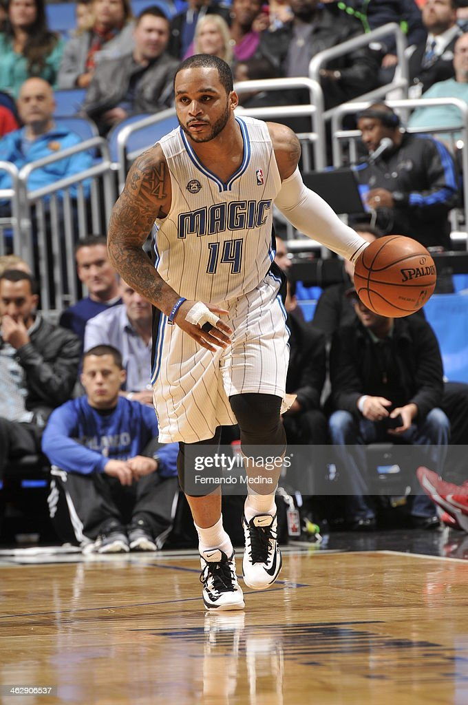 Jameer Nelson #14 of the Orlando Magic dribbles up the court against the Chicago Bulls Bulls during the game on January 15, 2014 at Amway Center in Orlando, Florida.