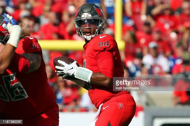 Jameis Winston of the Bucs looks for an open receiver during the regular season game between the Indianapolis Colts and the Tampa Bay Buccaneers on...