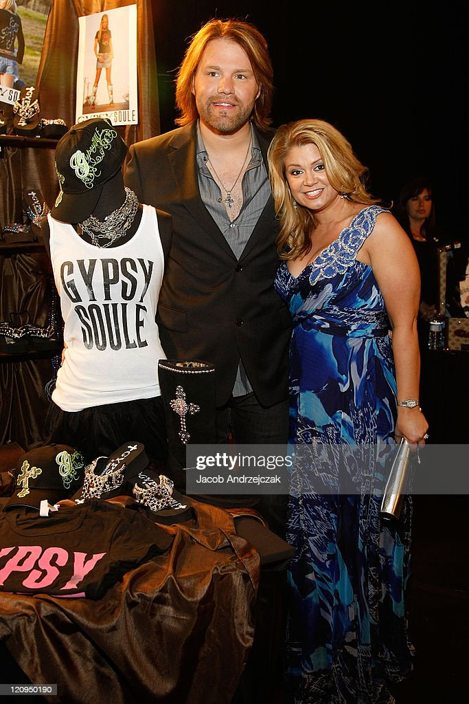 Backstage Creations at the 2009 Academy of Country Music Awards - Day 2 : News Photo