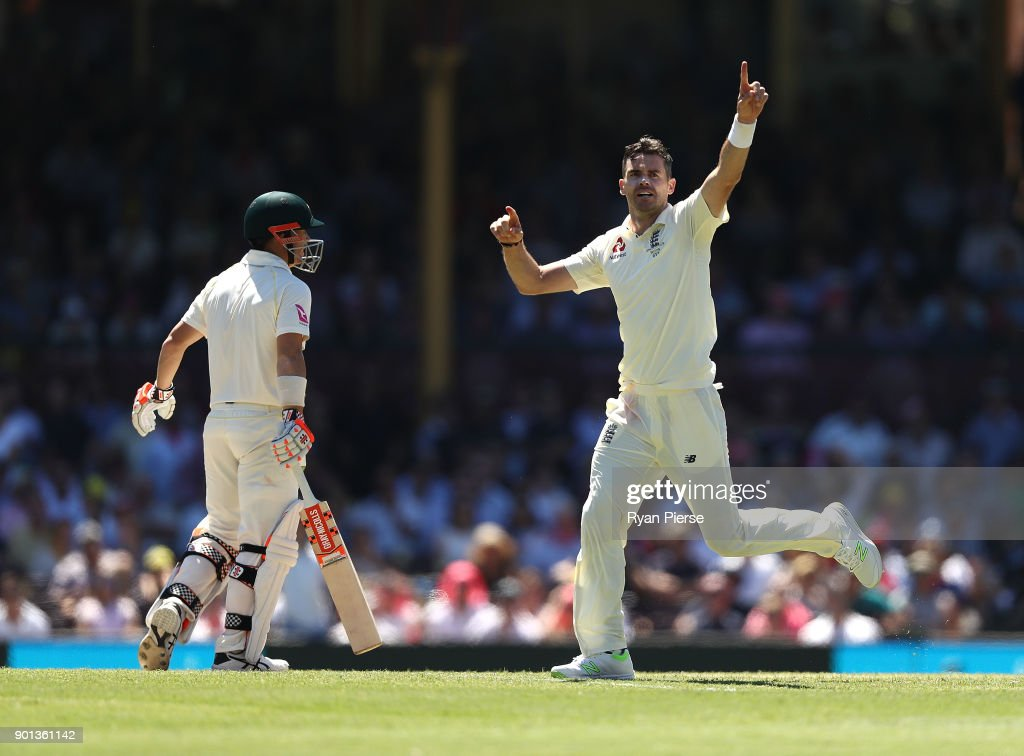 James Anderson of England celebrates after taking the wicket of David Warner of Australia during day two of the Fifth Test match in the 2017/18 Ashes Series between Australia and England at Sydney Cricket Ground on January 5, 2018 in Sydney, Australia.