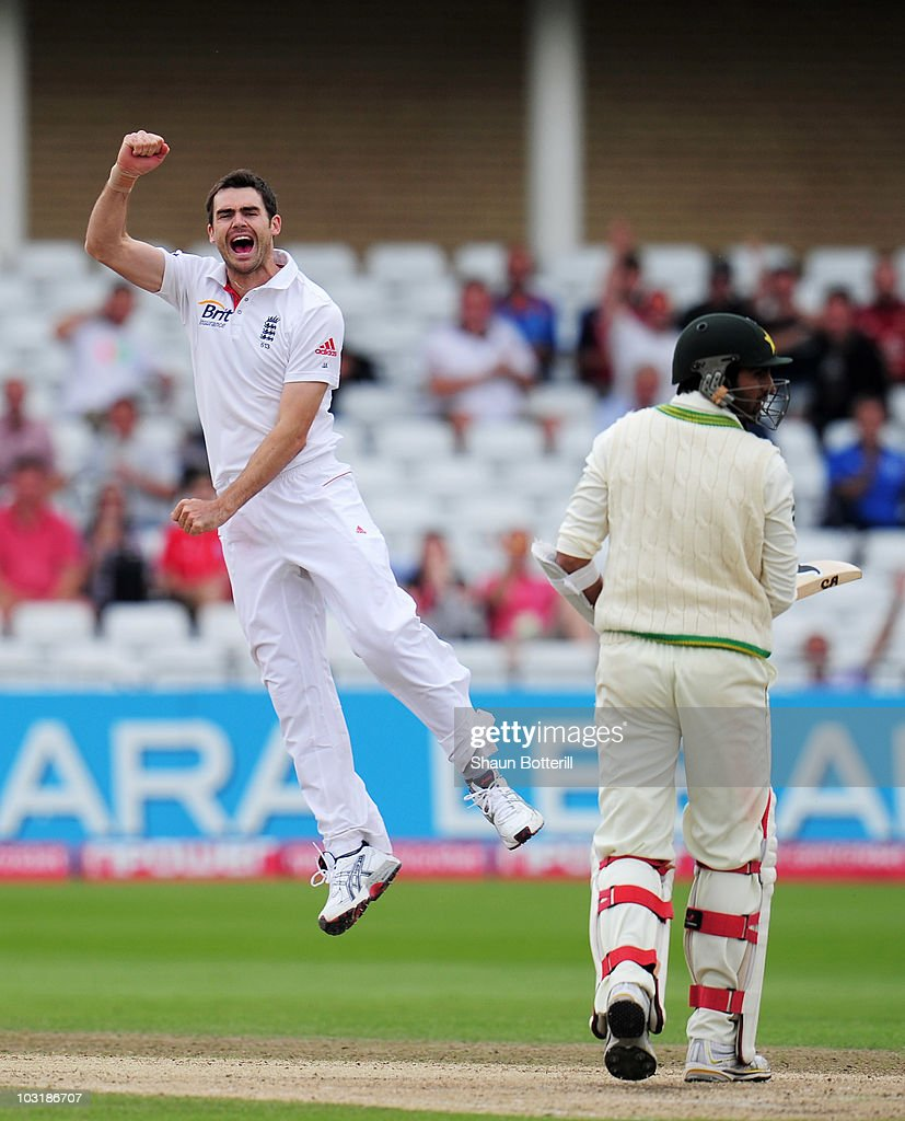 England v Pakistan: 1st Test - Day Four : News Photo