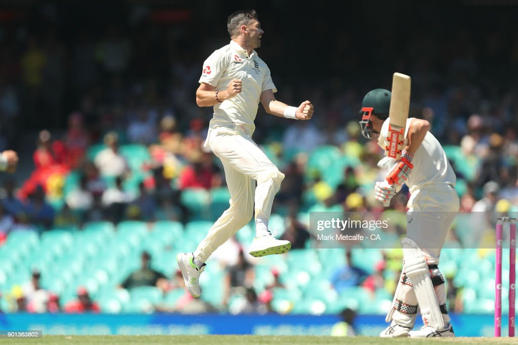 James Anderson of England celebrates taking the wicket of David Warner of Australia during day two of the Fifth Test match in the 2017/18 Ashes Series between Australia and England at Sydney Cricket Ground on January 5, 2018 in Sydney, Australia.