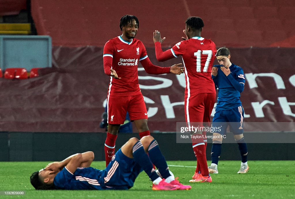 Liverpool U18 v Arsenal U18 - FA Youth Cup Quarter Final : Nachrichtenfoto