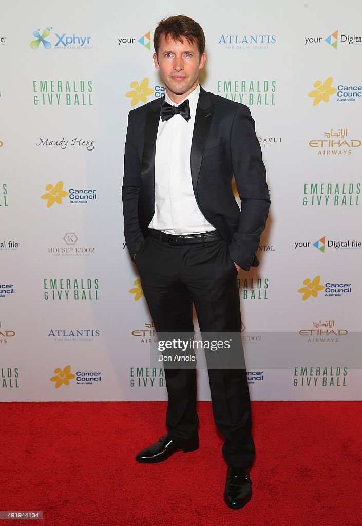 James Blunt arrives ahead of Cancer Council Australia's Emeralds & Ivy Gala Ball at Sydney Town Hall on October 9, 2015 in Sydney, Australia.