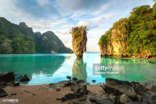 james bond island, phuket thailand nature. asia travel photography of james bond island in phang nga bay. thai scenic exotic landscape of tourist destination famous place. - tailandia foto e immagini stock