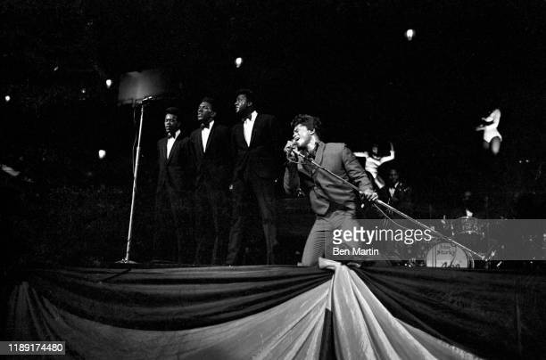 James Brown and The Flames at the Apollo New York 1959