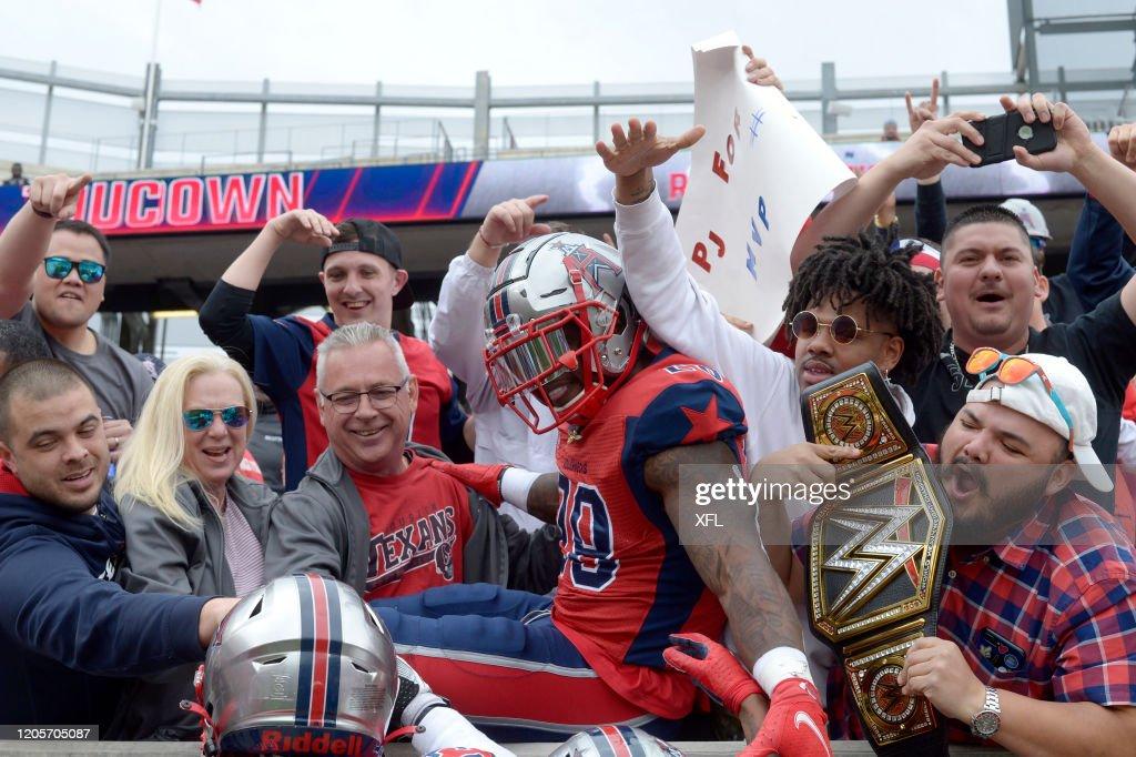 Seattle Dragons v Houston Roughnecks : News Photo