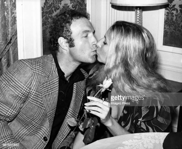 James Caan and Barbra Streisand kiss circa 1981 in New York