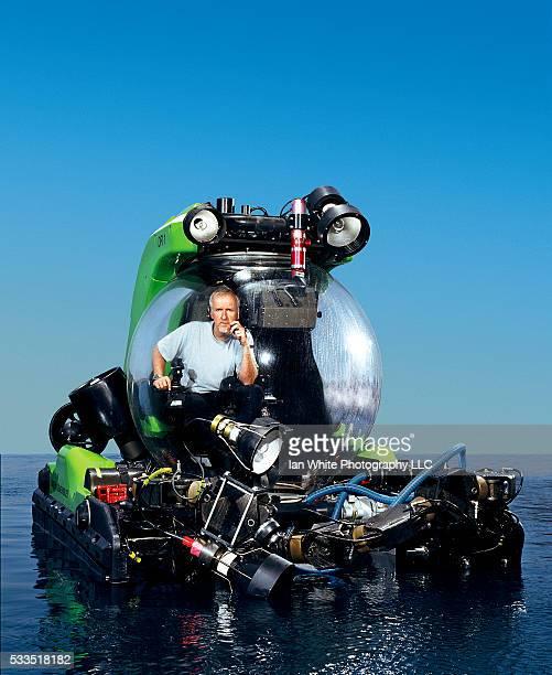 James Cameron testing his submersible Deep Rover 1