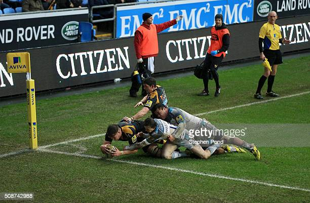 James Cannon of Wasps scores a later disallowed try during the Aviva Premiership match between Wasps and Newcastle Falcons at the Ricoh Arena on...
