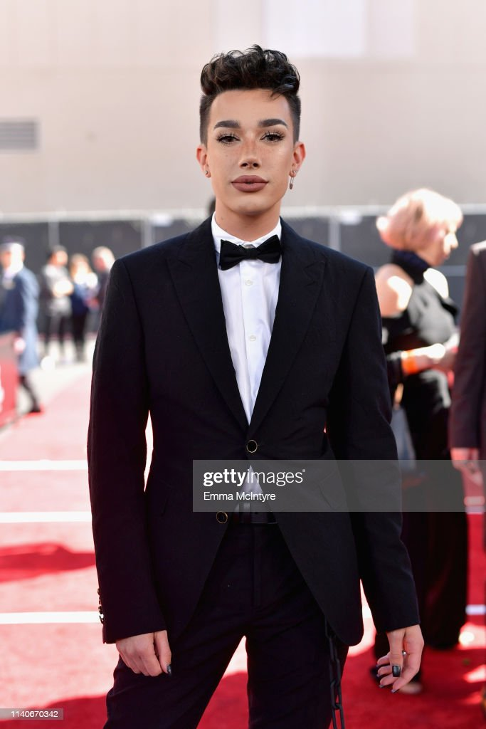 2019 Billboard Music Awards - Red Carpet : News Photo