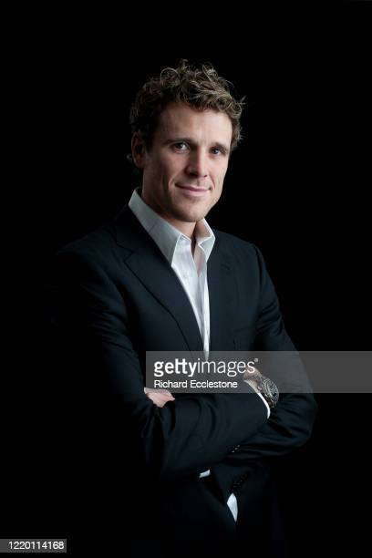 James Cracknell OBE is a British athlete rowing champion and double Olympic gold medalist United Kingdom 2007