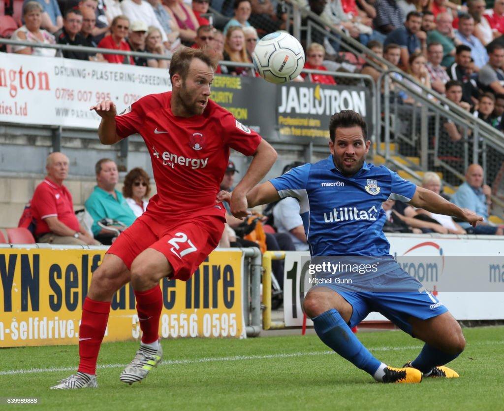 Leyton Orient v Eastleigh - Vanarama National League : Nieuwsfoto's