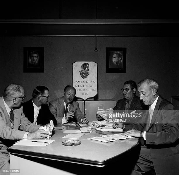 James Dean Memorial Foundation Aux Etats Unis en 1956 un an après la mort accidentelle de James DEAN une Fondation à été créée en sa mémoireLes...