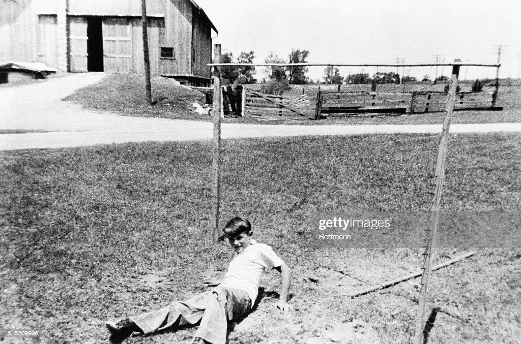 Young James Dean Takes A Tumble : News Photo