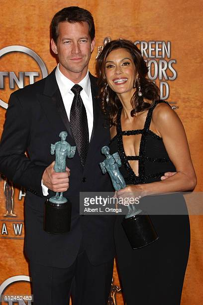 James Denton and Teri Hatcher winners for Outstanding Ensemble in a Comedy Series for 'Desperate Housewives'