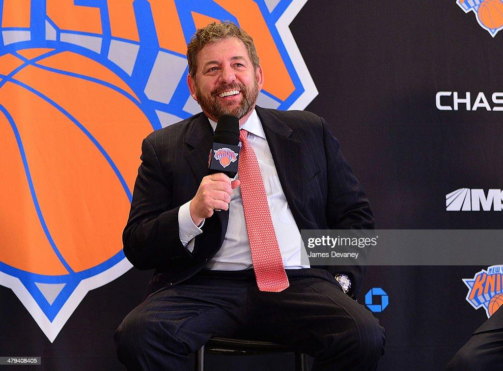 New York Knicks Announce Phil Jackson As Team President : News Photo