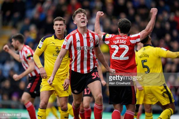 James Dunne of Sunderland celebrates his opening goal of the game during the Sky Bet League One match between Oxford United and Sunderland at Kassam...