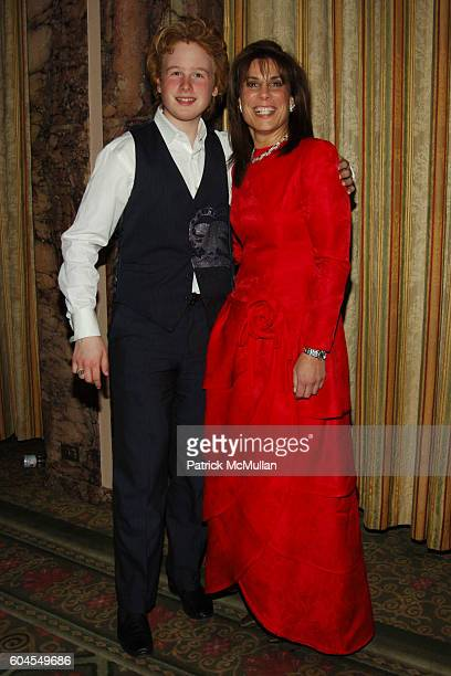 James Garfunkel and Robin L Smith attend NYU Hospital for Joint Diseases 2006 Founders Gala at Waldorf Astoria on November 6 2006 in New York City