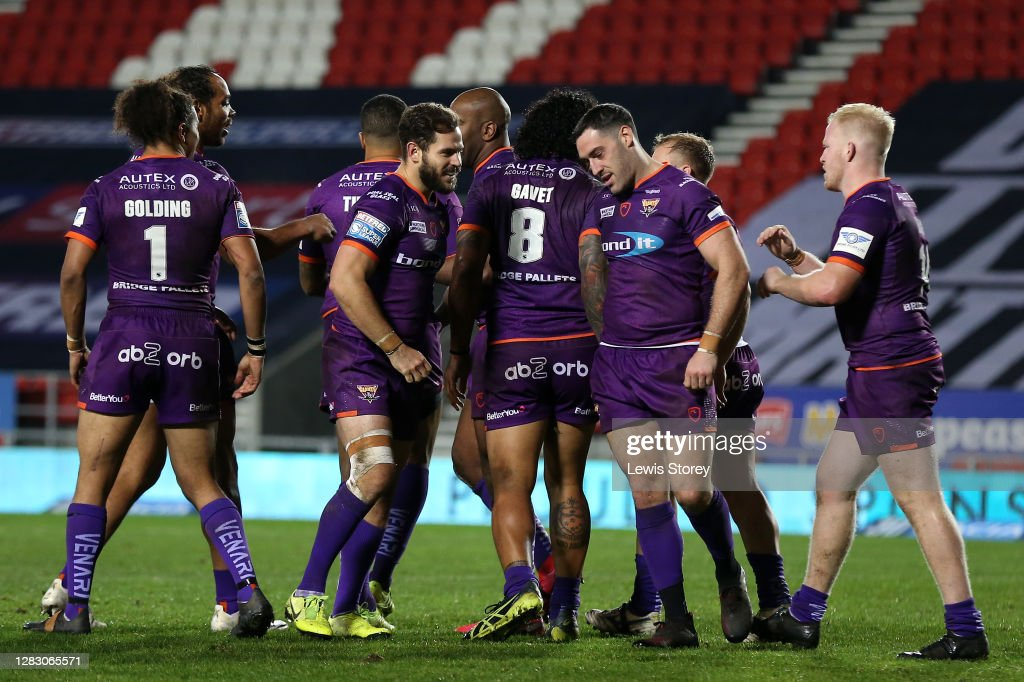 Warrington Wolves v Huddersfield Giants - Betfred Super League : News Photo