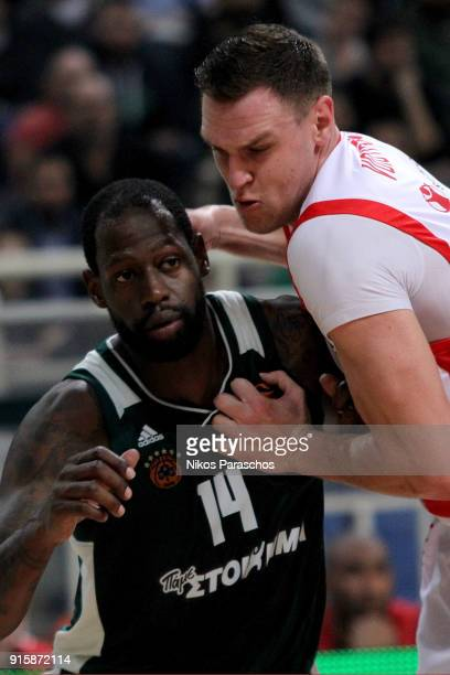James Gist #14 of Panathinaikos Superfoods Athens competes with Johannes Voigtmann #7 of Baskonia Vitoria Gasteiz during the 2017/2018 Turkish...