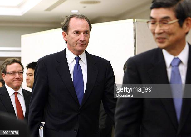 James Gorman chief executive officer of Morgan Stanley center and Katsunori Nagayasu president and chief executive officer of Mitsubishi UFJ...