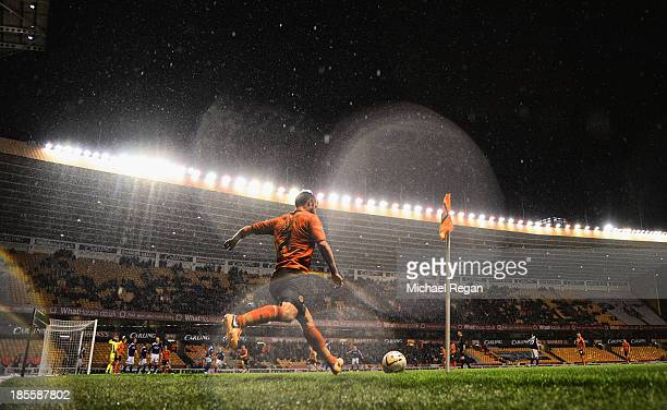 James Henry of Wolves talkes a corner in the rain during the Sky Bet League One match between Wolverhampton Wanderers and Oldham Athletic at Molineux...