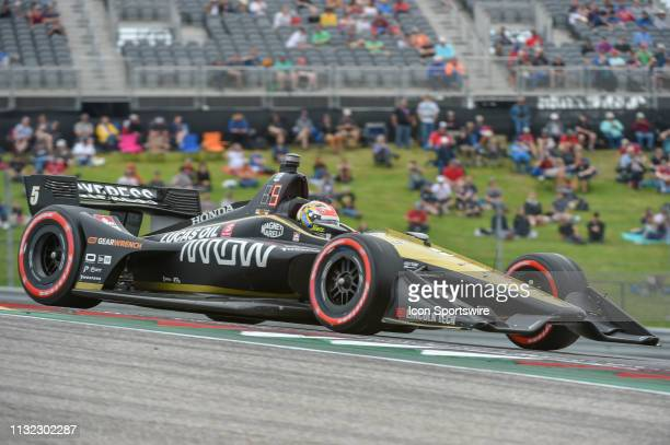 James Hinchcliffe of Arrow Schmidt Peterson Motorsports driving a Honda races out of turn 1 during the IndyCar afternoon qualifications at Circuit of...