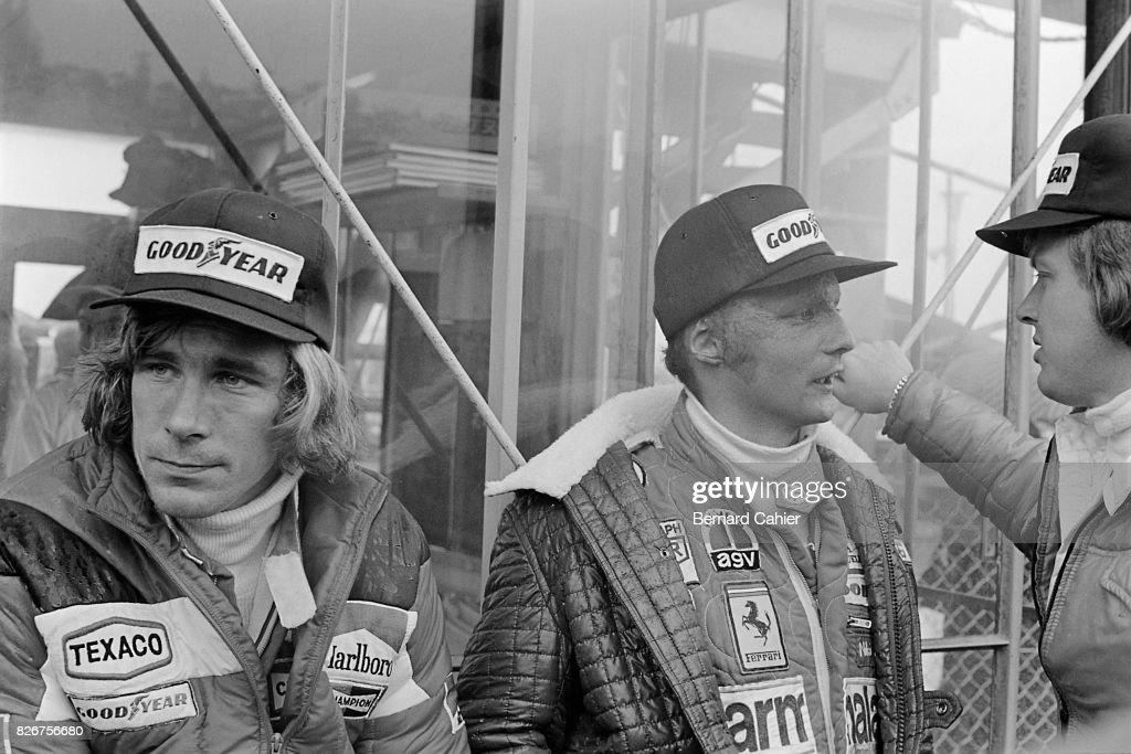 James Hunt, Niki Lauda, Ronnie Peterson, Grand Prix Of Japan : News Photo