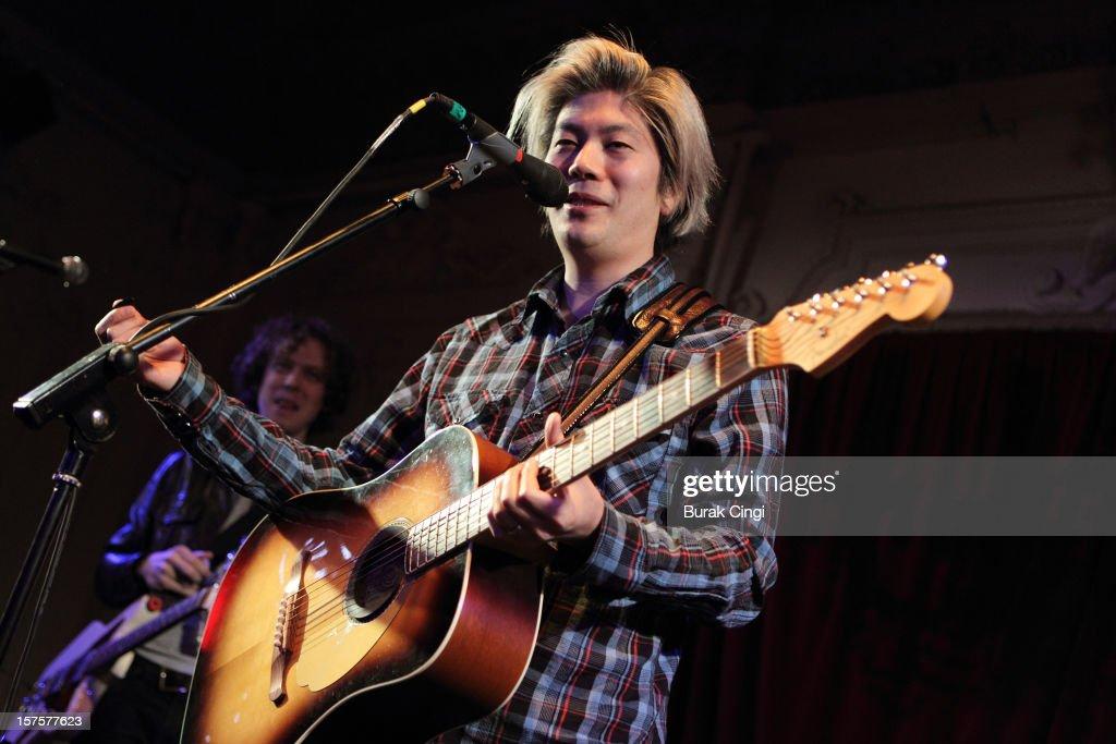 James Iha Performs at Bush Hall